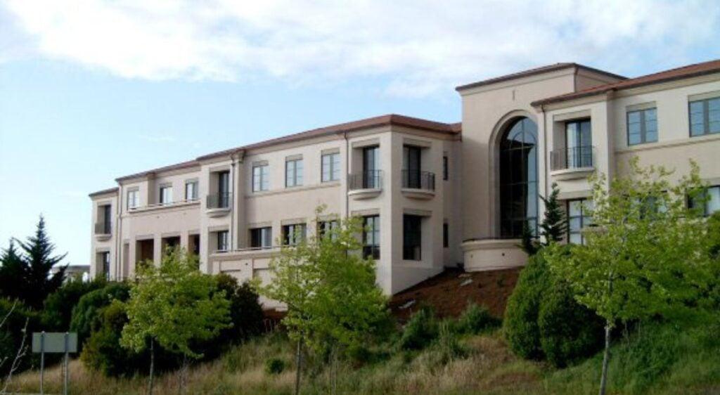 Creekbrige Office Complex
