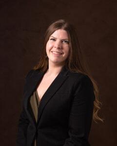 Laura Kammerer, Receptionist